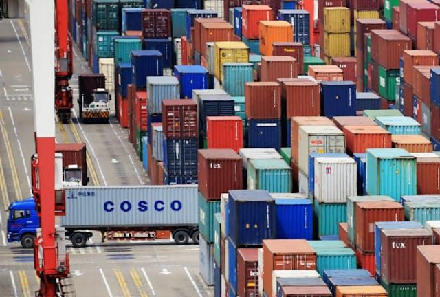 米国の対中国のモノの貿易赤字は縮小傾向にある(中国・上海)