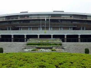 国立競技場の中央門(写真:日経アーキテクチュア)