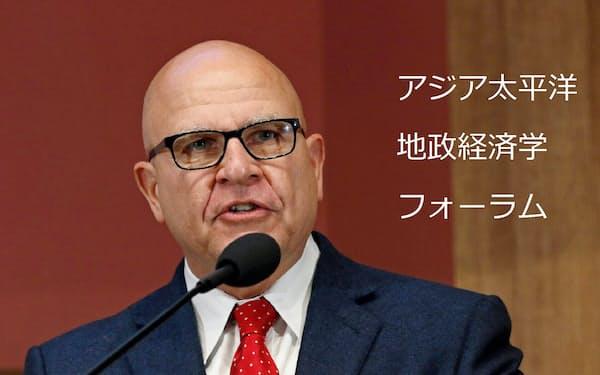 マクマスター前大統領補佐官は2日の講演で中国の脅威を訴えた(米カリフォルニア州スタンフォード)
