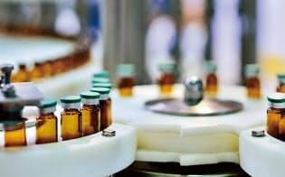 画期的な新薬の製造原価は高くなる傾向に(写真:Comezora/Getty Images)