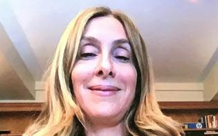 テレビ会議システムで取材に応じるゴーン元会長の妻、キャロルさん