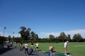 一見ただのゴルフ練習場だが、実はタイガー・ウッズ、ミシェル・ウィーといったゴルフプロやYahoo創業者のジェリー・ヤン、SUN Microsystems創業者のスコット・マクネリー、その他大勢の名経営者が通った、シリコンバレーならではの場所である(筆者撮影)