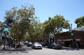 起業家の町でもあるせいか、気楽に起業の話ができるおしゃれなカフェがいたる所にあるのもUniversity Ave.の特徴である(筆者撮影)