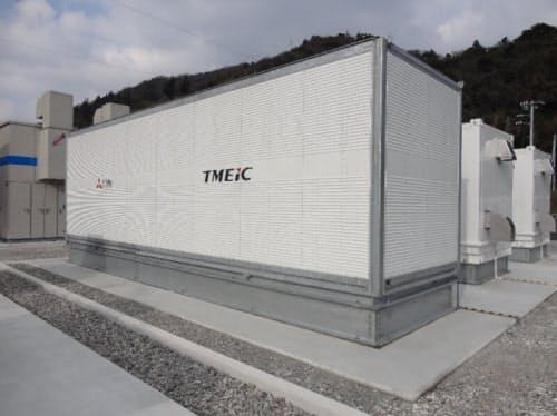 リチウムイオン電池用のパワーコンディショナー(PCS)。東芝三菱電機産業システム(TMEIC)製