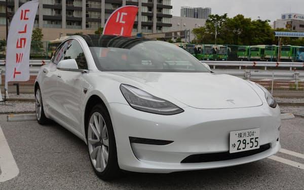 新型パワー半導体を搭載した米テスラの電気自動車「モデル3」
