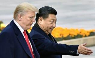 習近平氏とトランプ氏は友情を育んできたはずだが…(2017年11月、北京)=共同