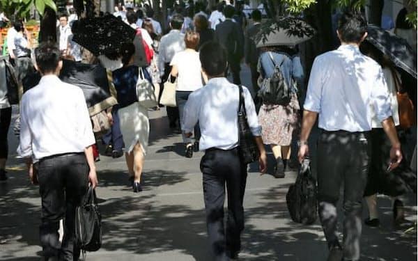政府によると非正規社員の数は約2100万人
