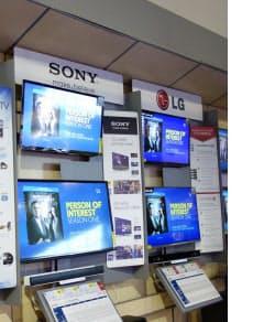 筆者宅の近所にあるベストバイの店内写真。日本製も陳列されているが、明らかに韓国製家電が優位の薄型テレビコーナー(筆者撮影)