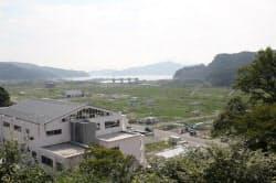 岩手県大槌町の中心部はいまだに緑が覆う