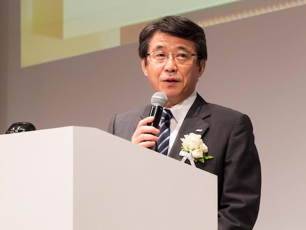 「IT Japan 2019」の基調講演に登壇したANAホールディングス(ANAHD)の片野坂真哉社長(撮影:井上裕康)