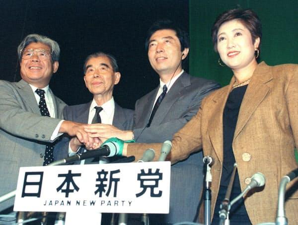 日本新党が大健闘、喜ぶ細川代表(92年7月26日)=共同