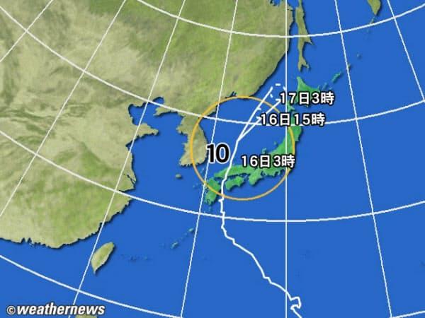 黄円は風速 15m/s 以上の強風域、赤円は 25m/s 以上の暴風域。白の点線は台 風の中心が到達すると予想される範囲。薄い赤のエリアは暴風警戒域