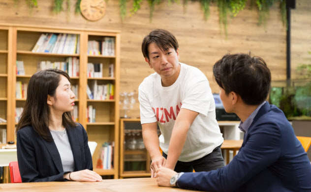アイドマの三浦社長は「家庭内に眠っている有効な人材をテレワークで活用したい」と話す