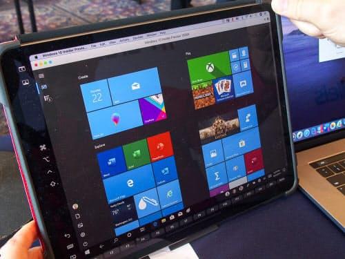 iPad上にWindows 10の仮想マシンを表示した様子(撮影:山口健太)