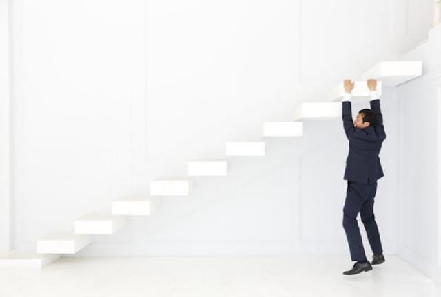 「不満だから」で転職を繰り返すと、キャリアの危機に。写真はイメージ=PIXTA