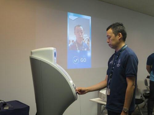 顔認証システムによる入場管理のデモ