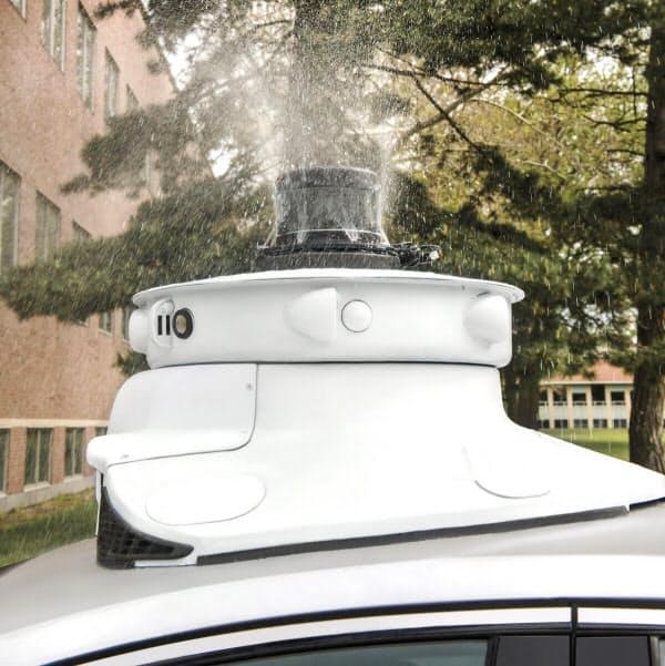 自動運転の「目」となる高性能センサーやカメラを虫から守る(写真:フォード・モーター)