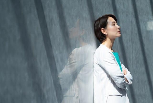 更年期症状はキャリアの大事な時期と重なることも(写真はイメージ=PIXTA)