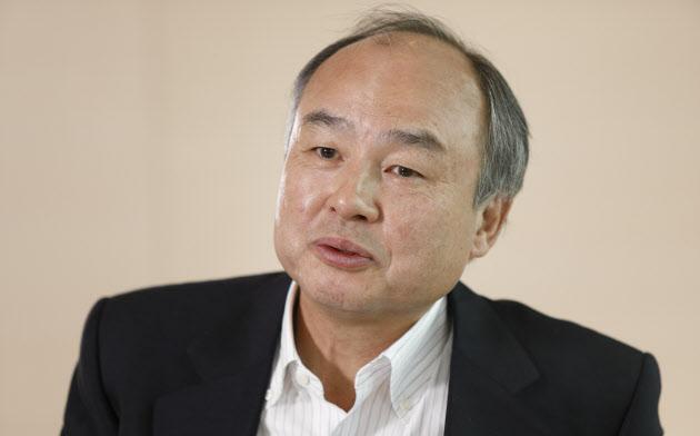 ソフトバンクグループ会長兼社長。1957年8月、佐賀県鳥栖市生まれ。62歳。81年、日本ソフトバンク設立。96年ヤフー社長、2006年ボーダフォン日本法人(現ソフトバンク)社長、13年米スプリント会長に就任。17年、ソフトバンク・ビジョン・ファンドを設立し、世界のAI関連企業に投資する。同年から現職。(撮影:村田和聡)