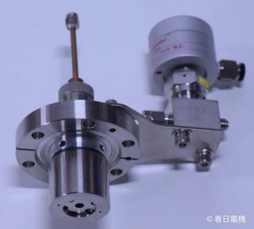 春日電機が開発した「マイクロ波プラズマ除電処理システム」(出所:春日電機)