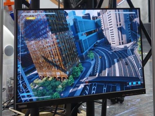 ニューヨークの街中を飛行しているVR内の視点映像(撮影:日経 xTECH)