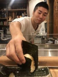 「おにぎり竜」(大阪市北区)の店主は元ボクシング世界チャンピオンの山中竜也(24)