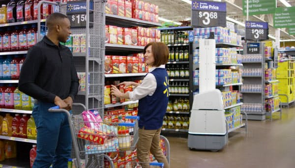米ウォルマートは接客時間を増やすため、店内ロボットを拡充した(同社提供)