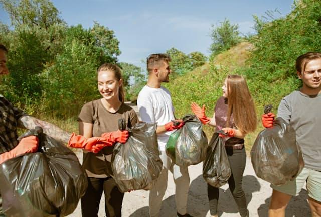 ボランティア活動で「つながり」を実感する。画像はイメージ=PIXTA