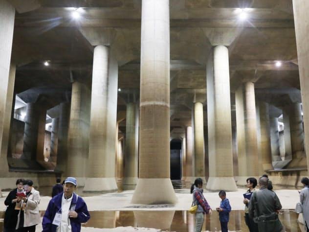 高さ18メートルの柱59本がならぶ首都圏外郭放水路(埼玉県春日部市)