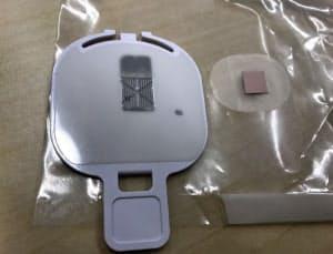 テープ状の薬と装置に取り付けて使うフィラメント