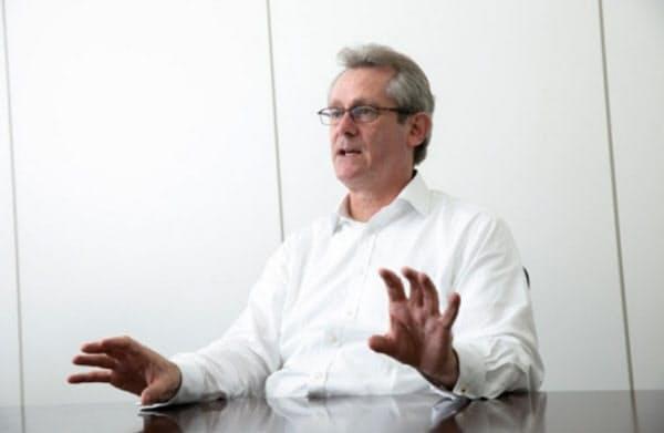 中小企業の経営を託されたアトキンソン氏は様々な改革を進め、会社を一気によみがえらせた(写真:的野弘路)