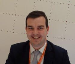 「ウブントゥ」の開発を支援する英カノニカルのクリス・ケニヨン上級副社長