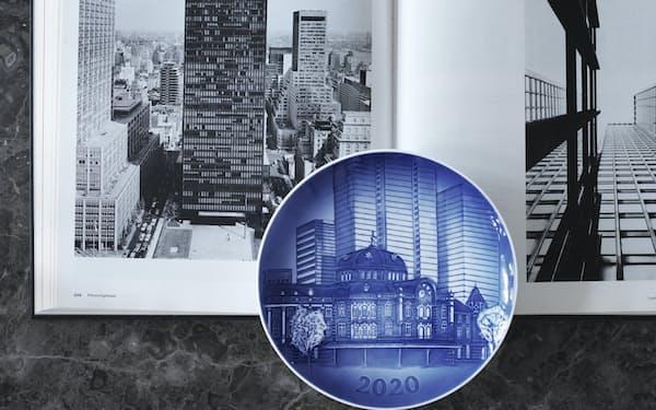 「ヘリテージプレート2020年特別版」は東京駅駅舎がモチーフ(1万6500円)
