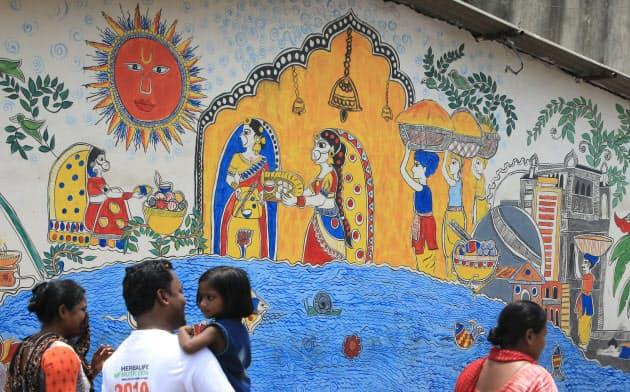 せかい旬景 街を彩るミティラー画(インド・パトナ)