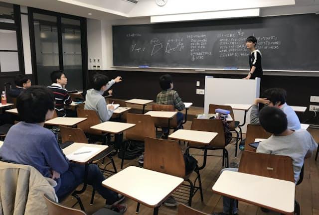 中3が先生になって中1を特訓する「中1講義」