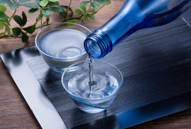 日本酒はマイナス5度で保存することでフレッシュさがキープできる(写真はイメージ=PIXTA)