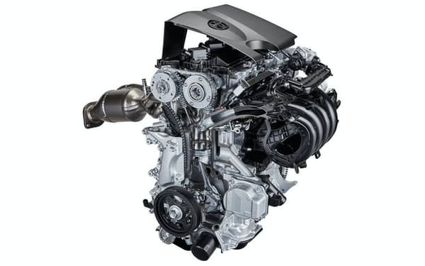 「カムリ」に搭載するハイブリッド車用2.0リットルガソリンエンジン。2017年当時、最高熱効率で41%を達成した(写真:トヨタ自動車)