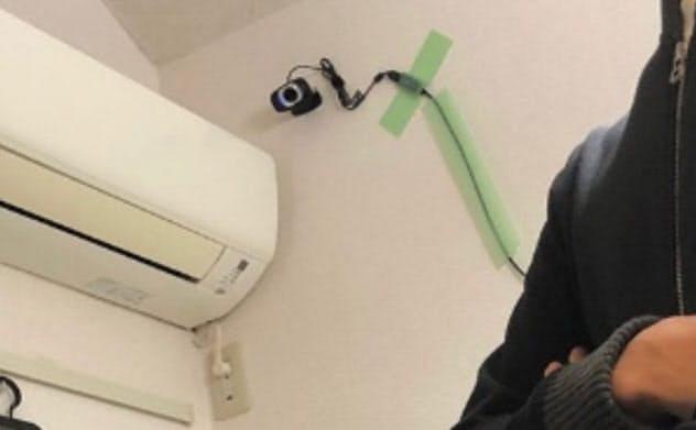 ITスタートアップ企業のPlasmaが実施した実験に参加した斎藤敬悟氏(仮名)の自宅。行動を記録するために室内には3台のカメラが取り付けられている