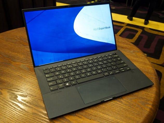 エイスース ExpertBook B9450(撮影:山口健太)