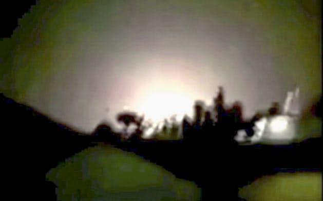 イランが発射したミサイルで攻撃を受けたとみられるイラクのアサド空軍基地=8日(現地メディア提供・ロイター=共同)