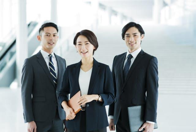 管理職の仕事はコミュニケーションが8割といわれる(写真はイメージ=PIXTA)