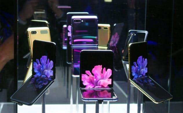 発表会後の体験会で展示された「Galaxy Z Flip」(撮影:日経クロステック)