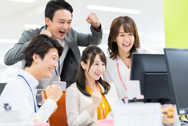 チームを成功に導いたリーダー体験は転職先から求められやすい(写真はイメージ)=PIXTA