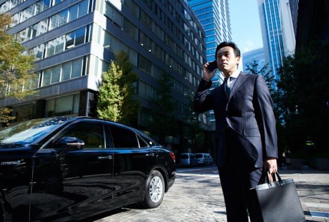 仕事上の役職や役割に合わせ、服だけでなくビジネスグッズも「グレードアップ」を考えてみましょう(写真はイメージ)=PIXTA