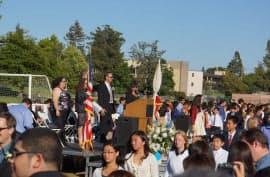 娘の中学の卒業式。未来は希望に満ちあふれている