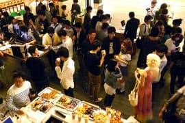 Tokyo Otaku Mode(TOM=トーキョーオタクモード)主催のパーティー。クリエーターが集結した