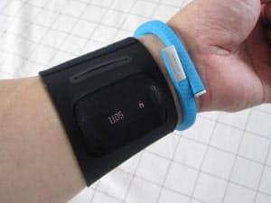 人気のスマートフォン連動型の新しい活動量計を記者が実際に試してみた