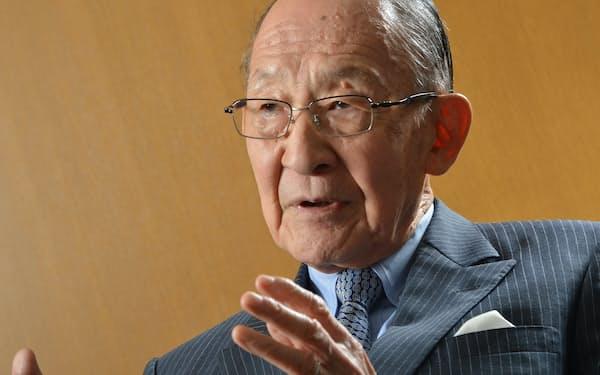 1935年生まれ。慶應義塾大学法学部卒業後、キッコーマン入社。61年米コロンビア大学経営大学院修了。キッコーマン社長兼CEO(最高経営責任者)などを経て、2011年から名誉会長(写真:栗原克己)
