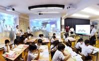 地方創生も企業もイノベーションの重要性は同じ(愛媛県西条市における遠隔合同授業 写真提供:愛媛県西条市)