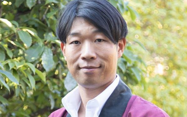 平和酒造社長。1978年、和歌山県生まれ。京都大学経済学部卒業後、人材系ベンチャー企業を経て、2004年実家の酒蔵に入社。4代目として伝統的な酒蔵の組織・人材改革を手がけ、大量生産の紙パック酒の製造から自社ブランド酒の開発・販売へと軸足を転換、業績を伸ばす